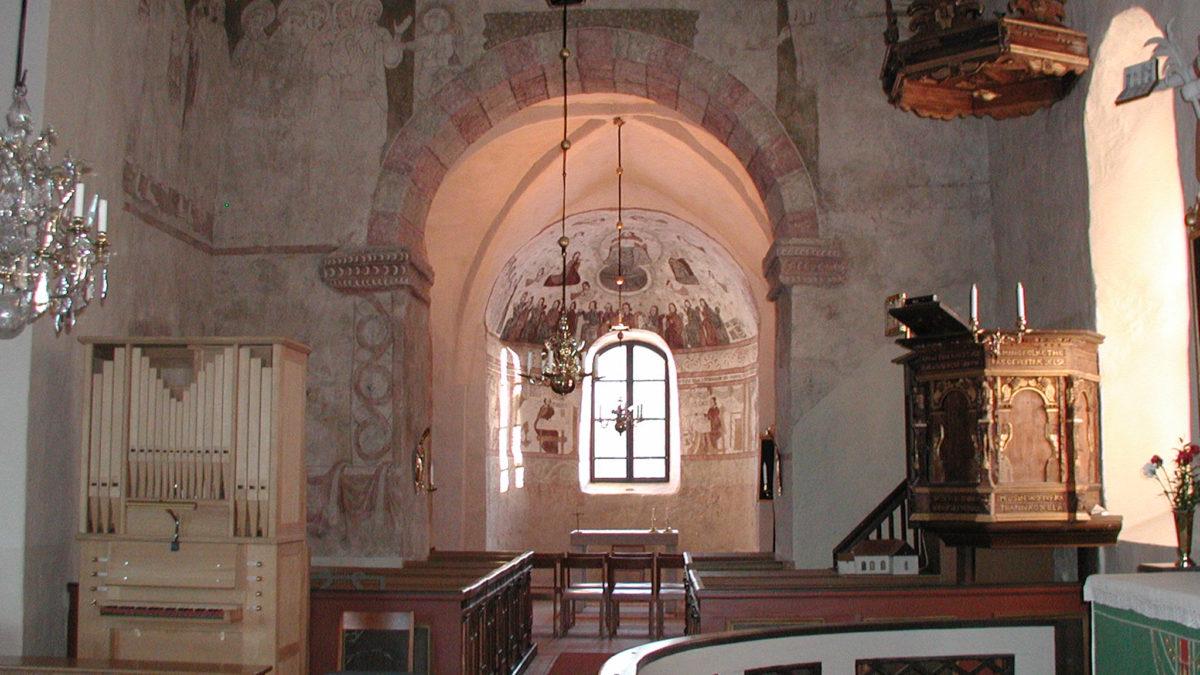 Interiör mot gamla koret i Bringetofta kyrka