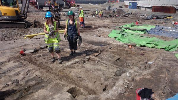 Timmerhus under utgrävning