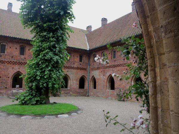 Bild över klostergården från klostret Sankt Katherine kloster.