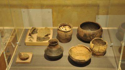 Utställningar av keramiska föremål