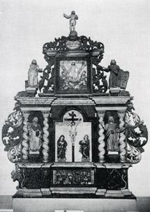 Altarprydnad i en kyrka.