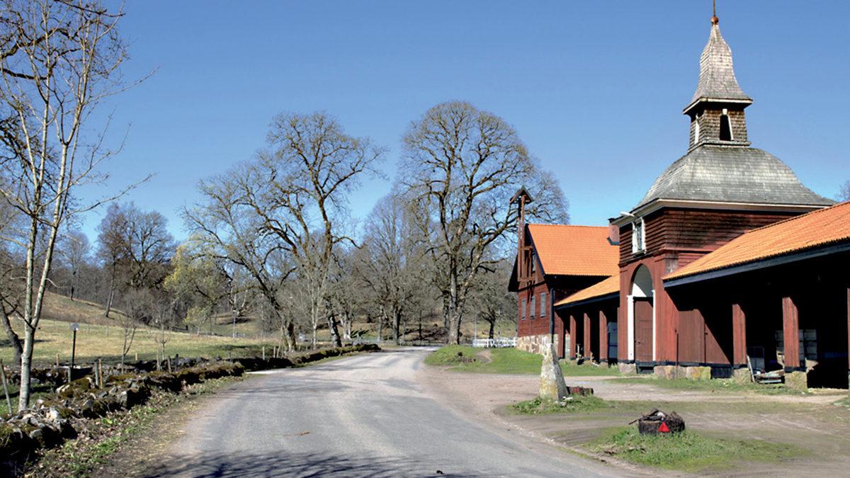 En del av ekonomibyggnaderna på Tunarp.