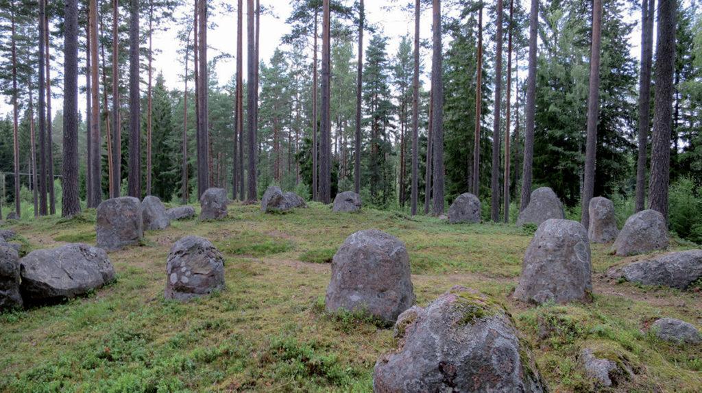 Domarringar på gravfältet Bruadungen.