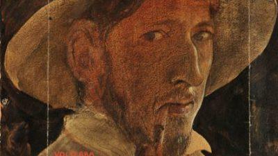 Självporträtt. John tittar på betraktaren med sin pipa i mungipan och en hatt på huvudet.