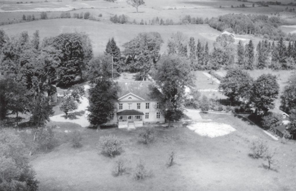 Denna bild från 1940-talet visar Ryningsholms herrgård från söder.