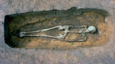 Foto på begravd viking.