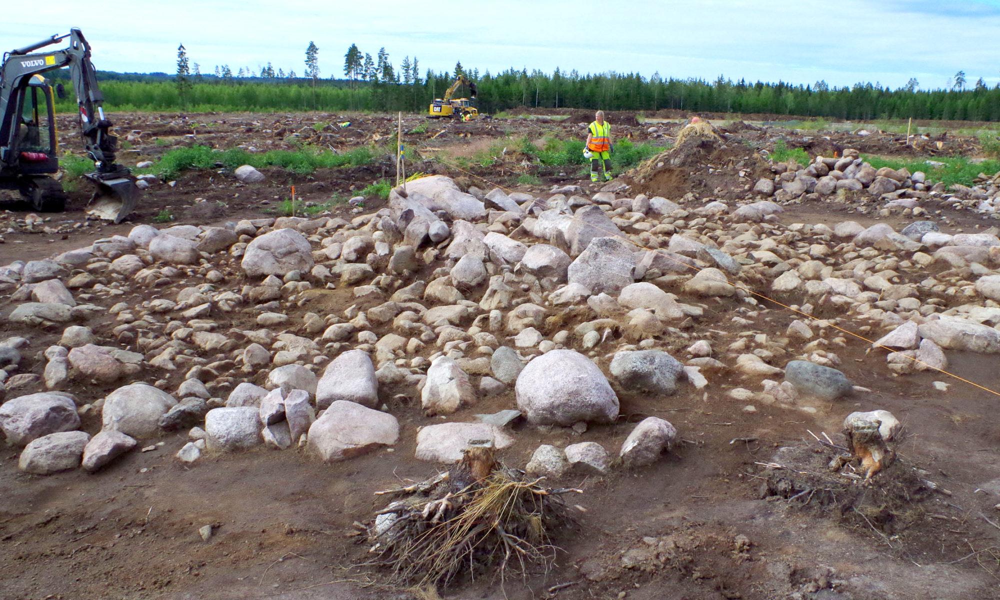 Arkeologisk utgrävning, ett gravröse